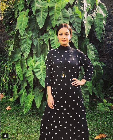 দিয়া মিৰ্জাৰ থ্ৰী-ডি পম-পম কূৰ্টা