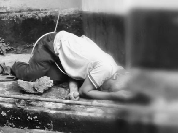 জলসিঞ্চন বিভাগৰ কাৰ্যালয়ৰ চতুৰ্থ মহলাৰ পৰা পৰি মৃত্যু এজনৰ