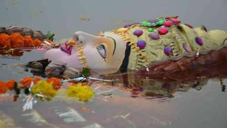 গংগা নদীত মূৰ্তি বিসৰ্জন কৰিলে ভৰিব লাগিব ৫০,০০০ টকাৰ জৰিমণা ; কেন্দ্ৰই প্ৰয়োগ কৰিলে বাধা