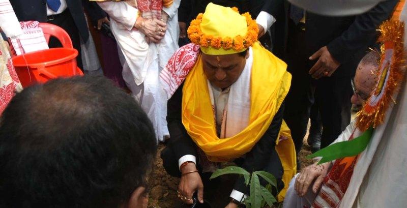 শ্ৰী সূৰ্য পাহাৰৰ বিষ্ণু যজ্ঞত উপস্থিত মুখ্যমন্ত্ৰী সৰ্বানন্দ সোণোৱাল